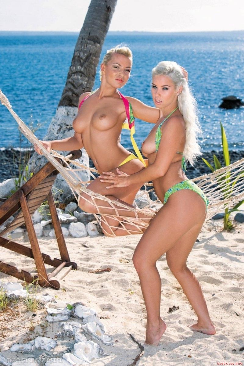 Фото девушки блондинки на море