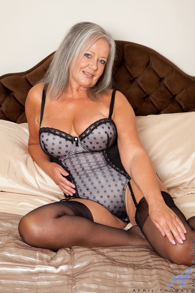 Amateur mature blonde milf sex