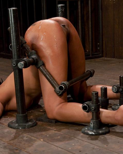 БДСМ жесть, публичное БДСМ унижение, унижение женщины ...