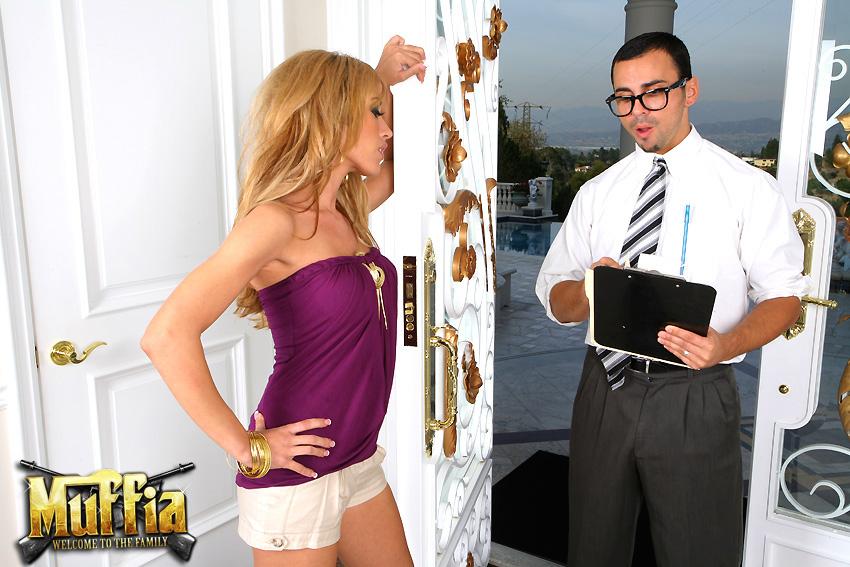 порно с огромный страпоном в вагину