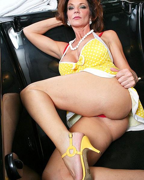 Зрелые женщины раком трахаются фото — pic 9