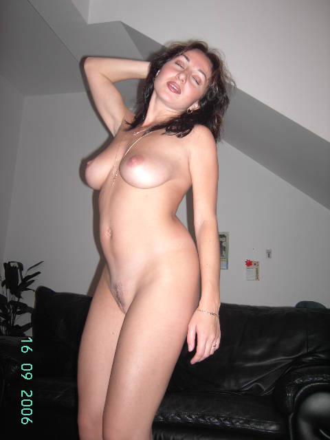 Красивую казашку затрахали до оргазма толстыми хуями