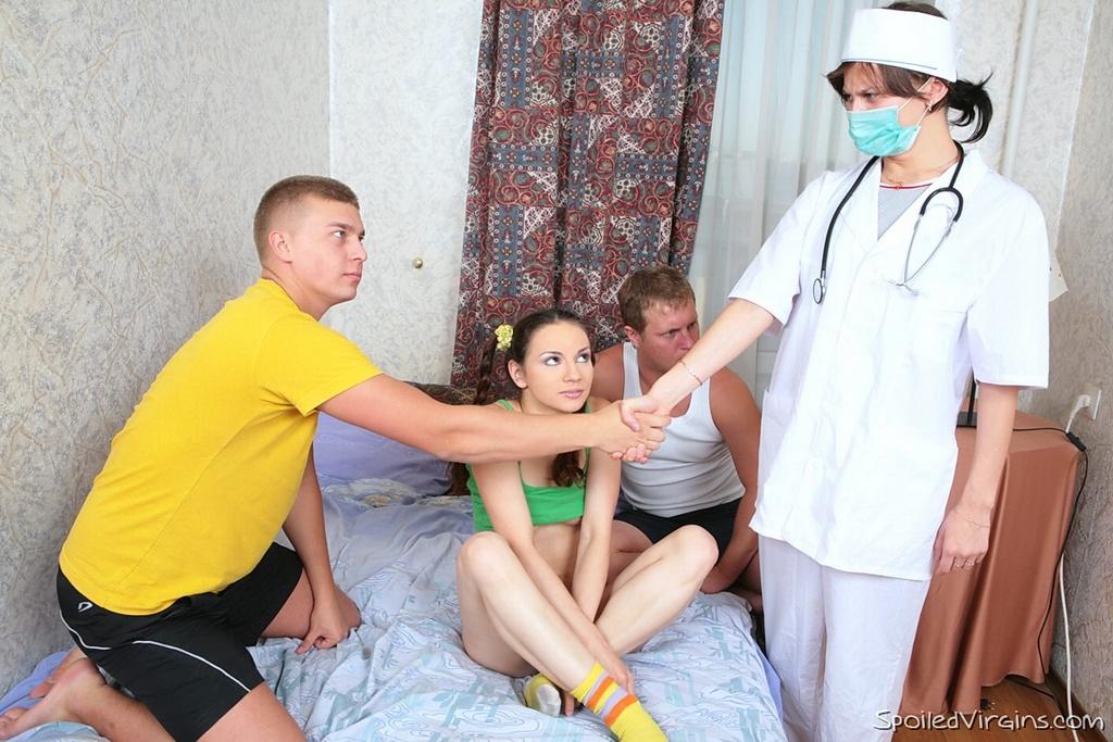 moya-devushka-v-gruppovom-sekse-foto