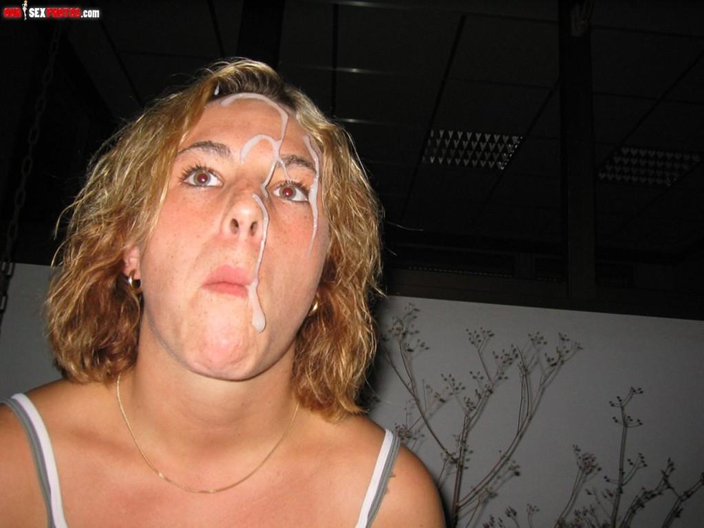 Камшот на лицо сексапильной брюнетки порно фото