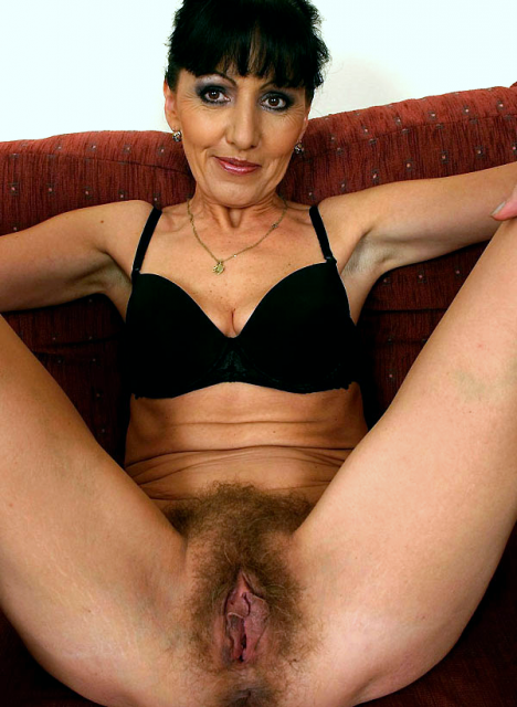 Молодые армянки с волосатыми кисками голые на порно фото