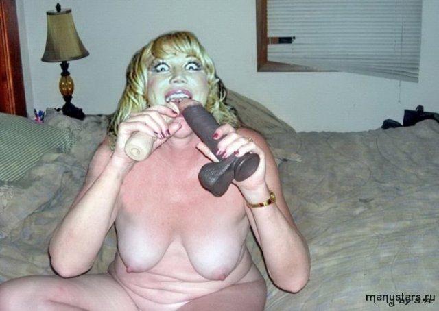 Знаменитая Маша Распутина окровенено позирует голой на фото