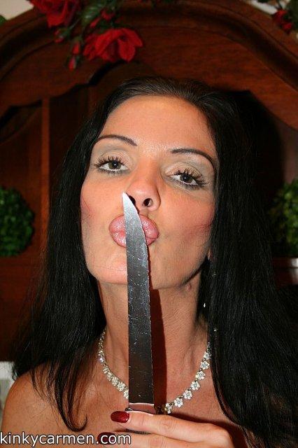 Фетиш молодой брюнетки которая мечтает о вагинальном сексе