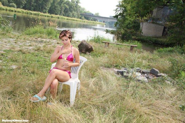 Бесплатные фото сексуально девушки занимающейся сексом на природе
