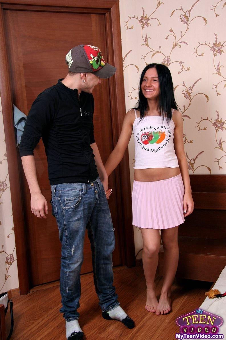 русская сисястая девка с худым парнем