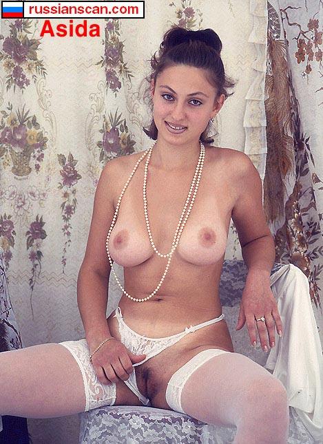 Девушка грузинка трахается в одежде — img 12