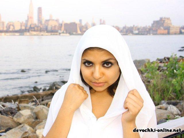 Арабское порно реального секса с красивой сукой в узкую щель