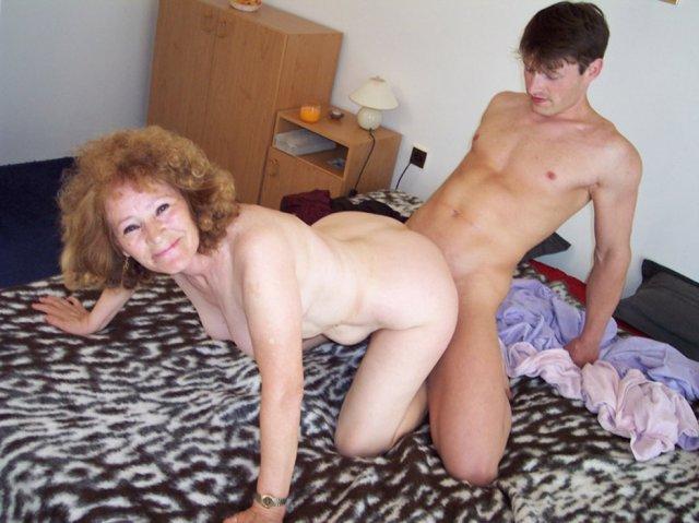 Порно видео бабки с висячими мегасиськами фото 678-989