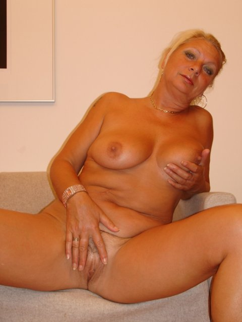 Порно бесплатно ванной большой жопой фото 579-949