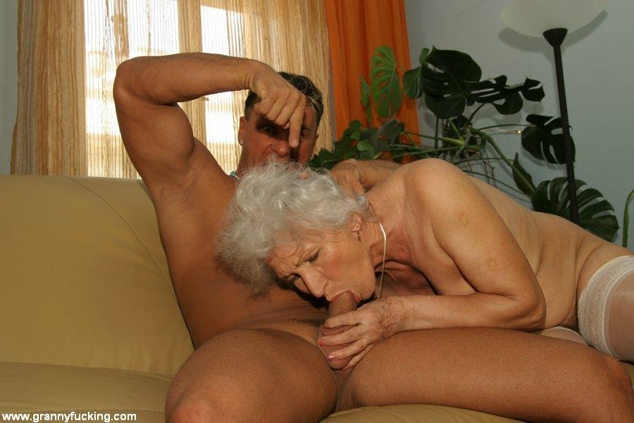 Секс фото старух с фалосами