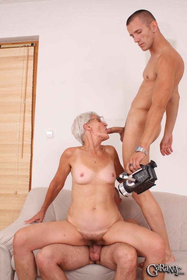 тощий секс старушкой с