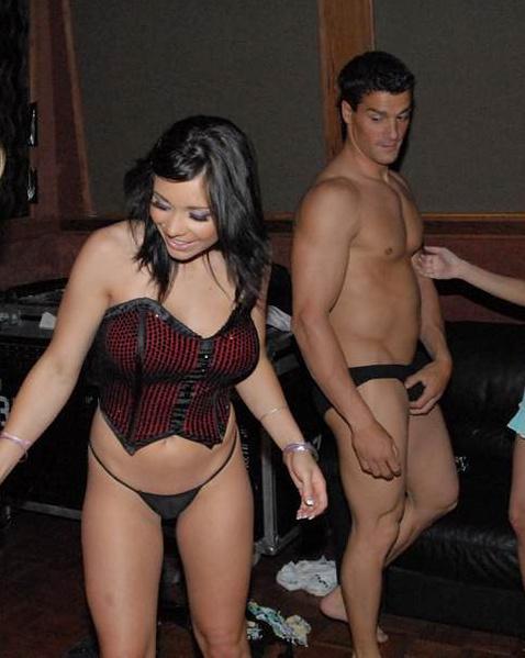 Проститутки с шикарными жопами разводят на секс