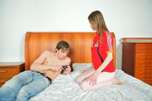 Нежная девочка на детском порно занимается сексом