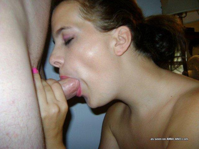 Жену в чулках трахает на домашнем порно