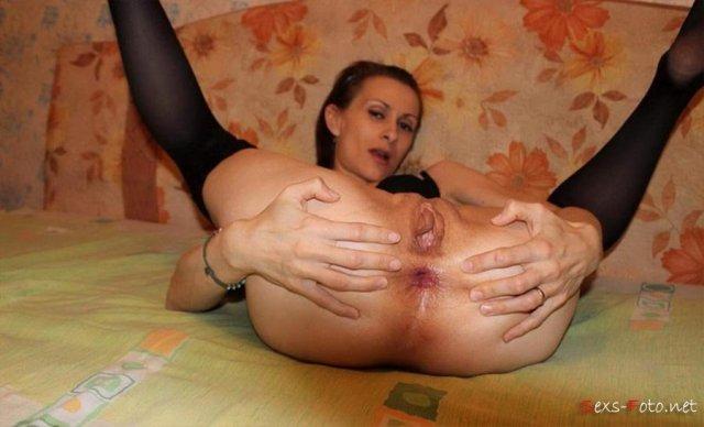 Молодые проститутки со стройными ногами ебутся в анал