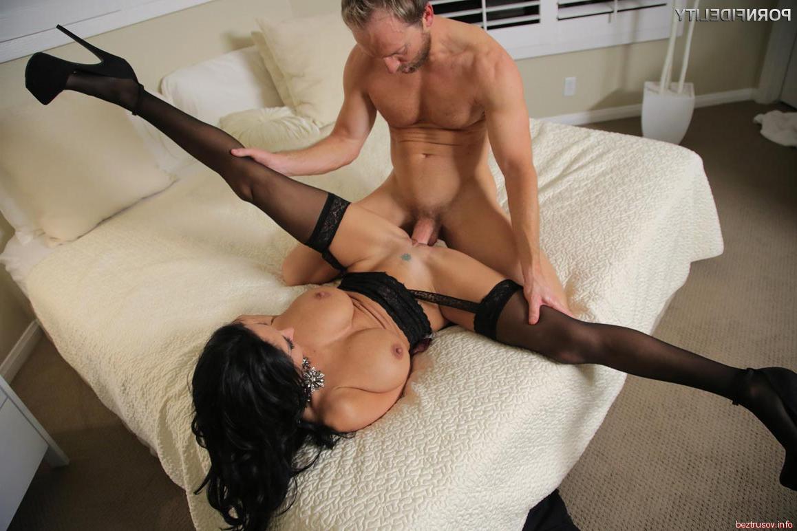 Порно длинные сиськи
