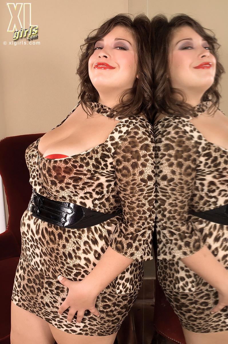 Порно хуй порно онлайн в леопардовом платье