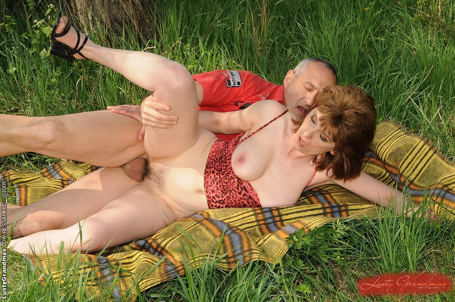 с тещами в лесу секс