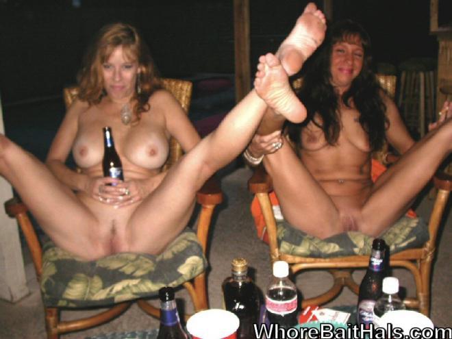 Лижут пизду высоким голым женщинам на секс вечеринке
