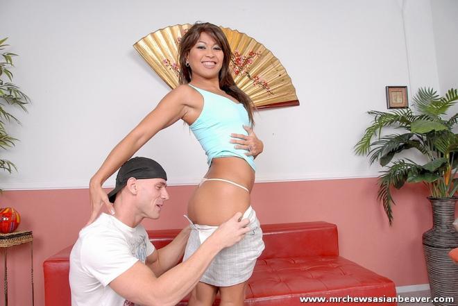 Секс с азиаткой гимнасткой в позах камасутры