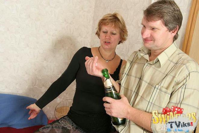 Смотреть порно пара на пару вчетвером соседи рот толстухе порно