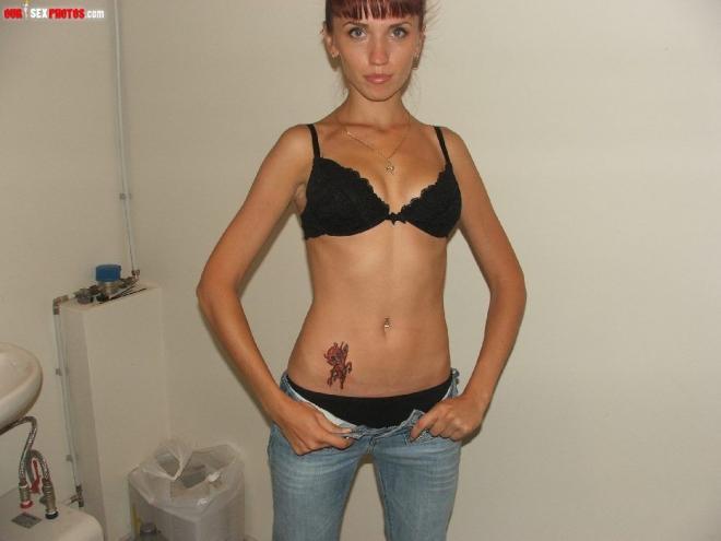 Трахают девок с тату на мобильных фото крупным планом