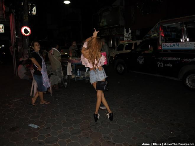 Фото пилотки и вялого члена при сексе с проституткой