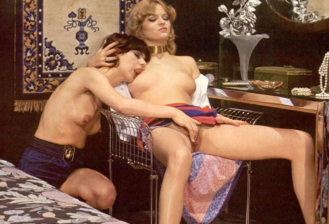 Нежный лесбийский ретро секс и мастурбация вибратором