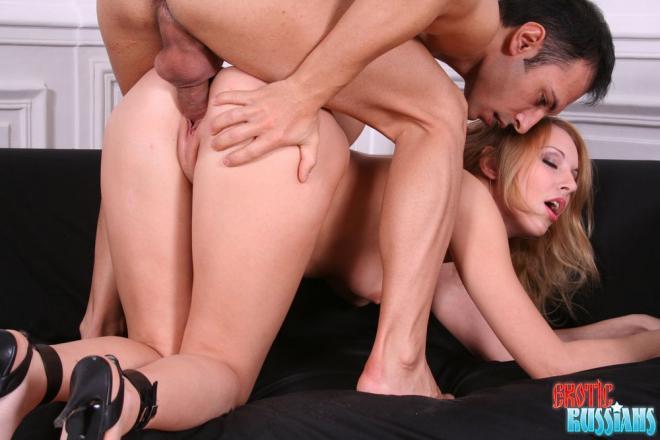 Вагинальный фистинг и секс игрушки в пизде на русском порно