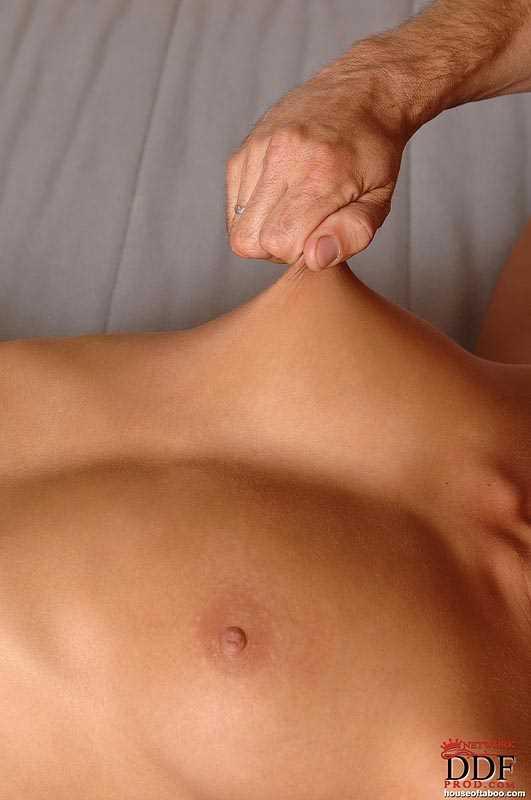 Фетиш связанной тёлочки и горловой минет