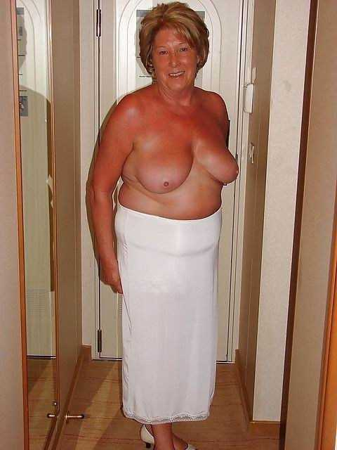 50 ти летние голые сучки в позах камасутры