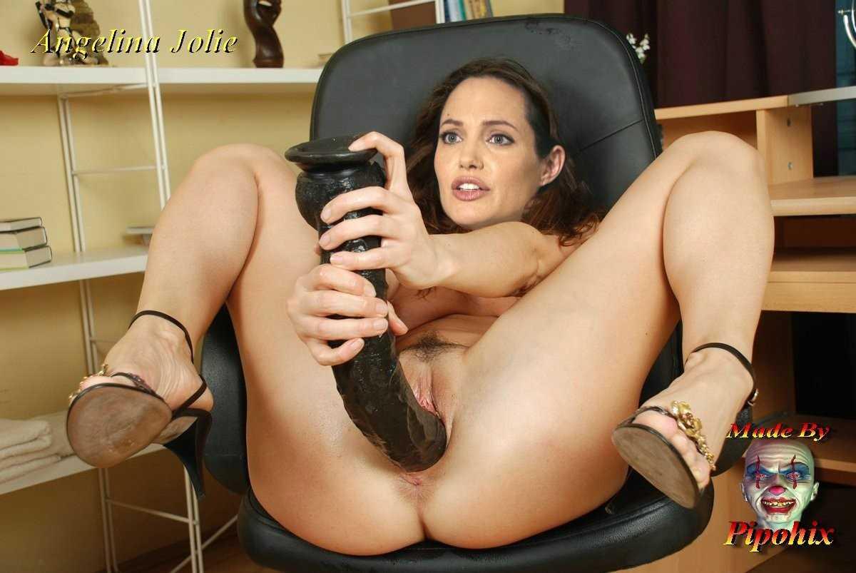 Angelina Jolie Голая angelina jolie голой ебётся и сосёт хуй