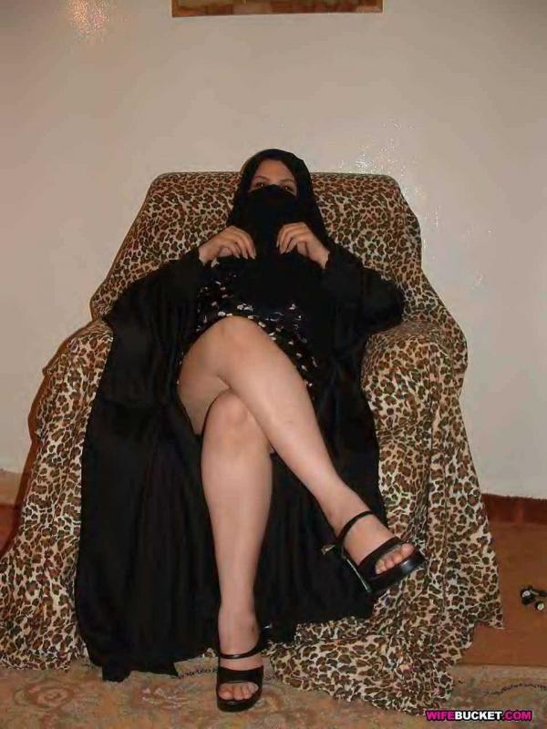 Голые сиськи и задницы похотливых армянок
