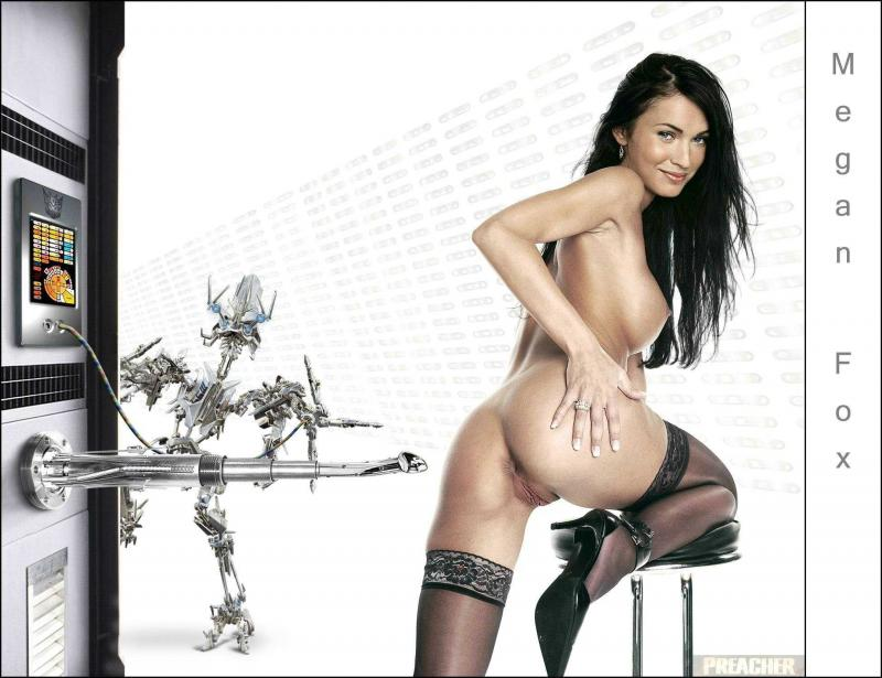 Megan Fox с голыми сиськами и влажной пилоткой