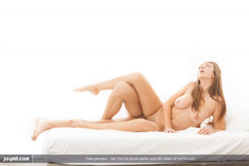 Страстный секс в пизду с волосатым лобком в крутом порно
