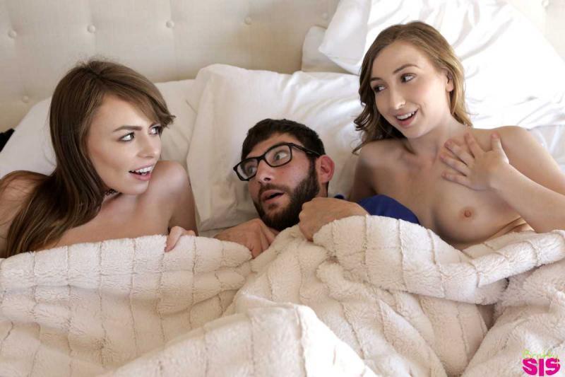Секс втроём с малолетками и сперма на попке